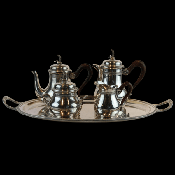 Pasidabruotas kavos ir arbatos servizas su padėklu