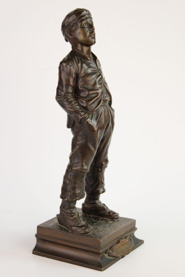 "AntikvarinėH. Herzberg bronzinė skulptūra ""Švilpautojas"""