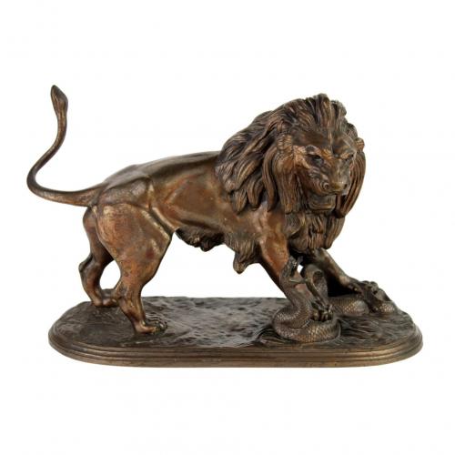 """Bronzinė skulptūra """"Liūtas"""" 19 a. pab."""