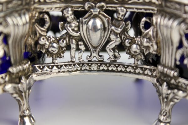 Liudviko XVI stiliaus sidabrinės druskinės 19 a. pab.