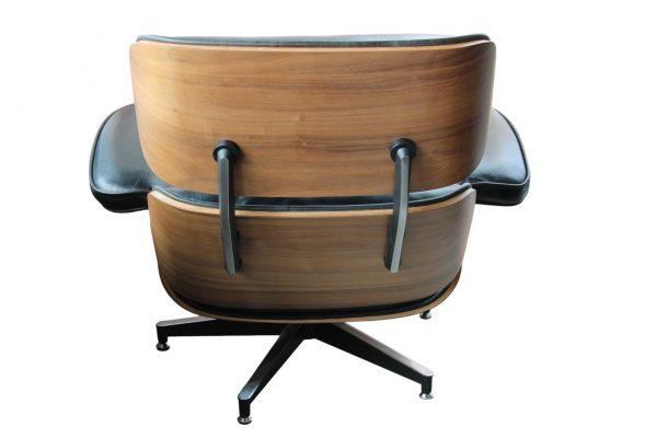 """""""Eames Lounge"""" odinis krėslas su pakoju"""