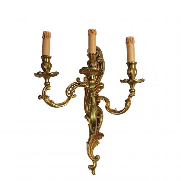 Rococo stiliaus sieninis šviestuvas