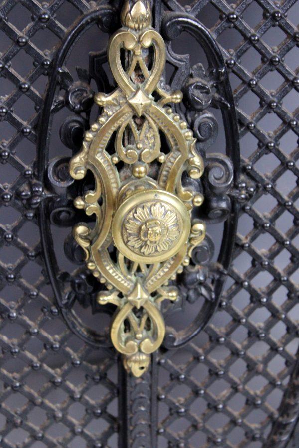 Antikvarinė židinio apdaila